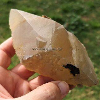 Calcita-amarilla-escalenoedro-m000060-a