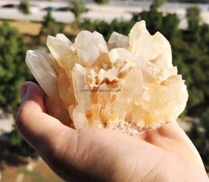 Cuarzo-amarillento