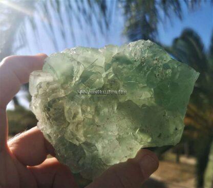 Fluorita-calcita-verde-exterior-b
