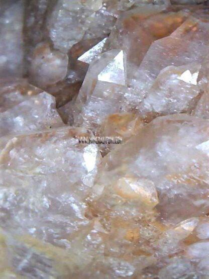 cuarzo-lechoso-madagascar-detalle-m000001-g.jpg