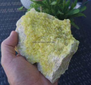 sulfur-yellow-mineralitum