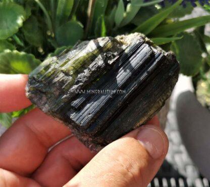 Turmalina-verde-Brasil-m000095-b