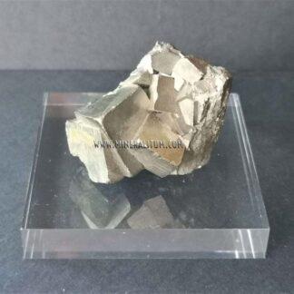 pyrite-cubic-set-navajun-m000112