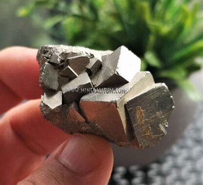 pirita-cubica-conjunto-navajun-m000112-e