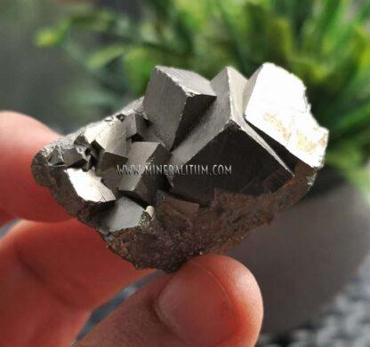 pirita-cubica-conjunto-navajun-m000112-f