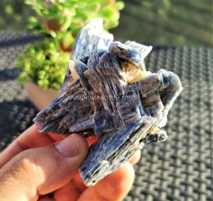cianita-azul-madagascar-m000131-b