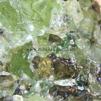 detail-olivine-m000137-a