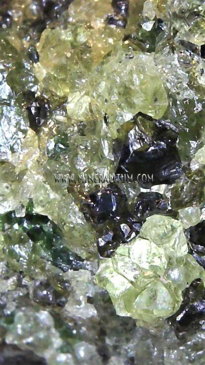 olivino-verde-mini-detalle-m000138-g